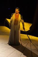 Ο Νίκος Ψαρράς προσέδωσε στο ρόλο του Δαρείου ξεχωριστές υποκριτικές ποιότητες